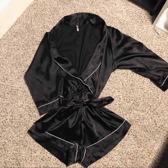 OnSale 🎃 Fashion Nova Satin Sleepwear Romper | M
